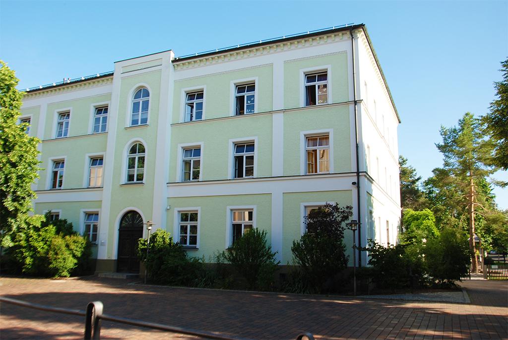 Mangfallschule Kolbermoor Schulhaus Haupteingang